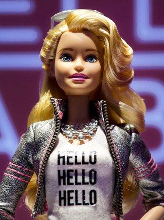 «Говорящая» кукла Барби помогает не только родителям узнать о мыслях детей, но и компании-производителю?